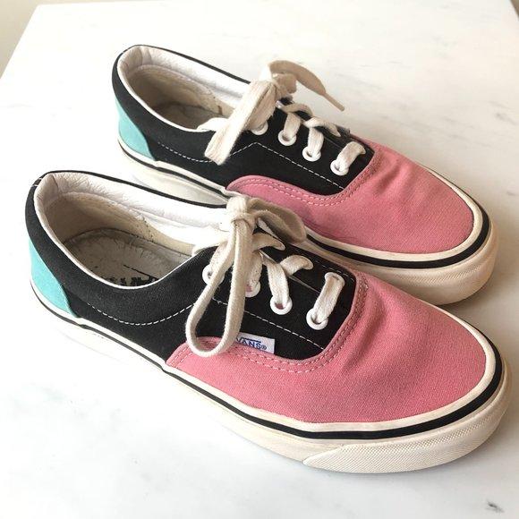 Vans Doheny Canvas Lo Top Sneakers